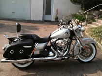 Acheter moto HARLEY-DAVIDSON FLHRC 1584 Road King Classic ABS Touring